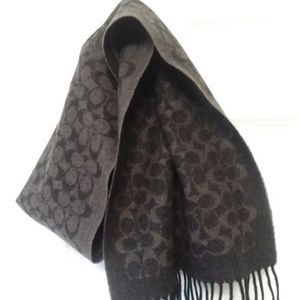 Coach signature reversible scarf NWT